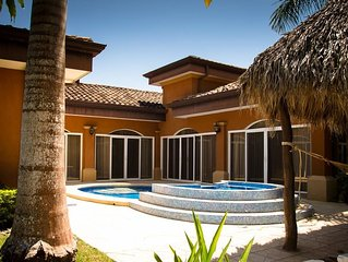 Villa de Los Suenos with Private Pool & 3 blocks to beach