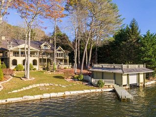 Luxurious Mountain LakeFront Home with toys