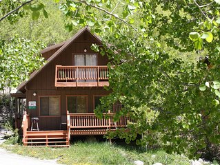 Simple clean well kept Cabin close to Monarch!