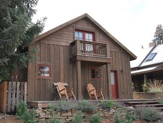 Cutest Cabin In Town! 1 Blk Off Elk, Walk to Everything! Completely Remodeled!