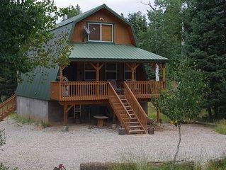 Trailhead Mountain Cabin- Near Zion & Bryce Canyon - $155-$170/night