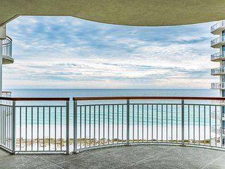 Beautiful Gulf Views from over sized balcony. Sugar White Sand and Emerald Water
