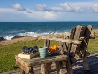 Whale Watch House: Oceanfront/Near Mendo Village/a Private Retreat