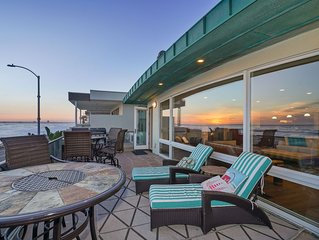 Beautiful & Spacious Beach Home, You Will Love the Panoramic Ocean Views!