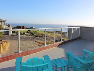 Ocean view, short walk to beach, golf and Bistro. Beautiful remodeled home.