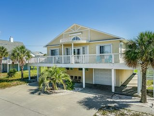 Short Walk to Beach with Sidewalk, Home with a Pool Table