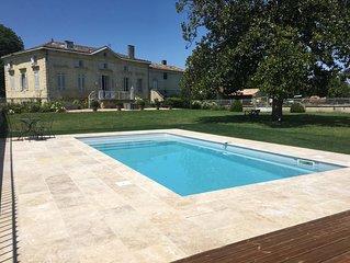 Magnifique demeure dans un domaine viticole avec piscine