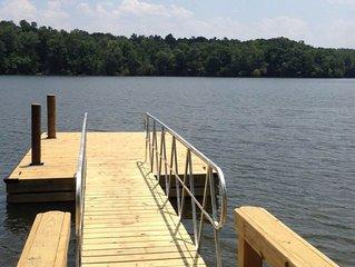 Lakefront, family-friendly home w/dock, swim ladder, outdoor shower