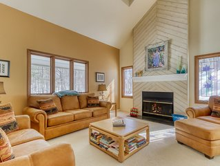 Semi-wooded, family-friendly home w/ a gourmet kitchen - walk to the clubhouse!