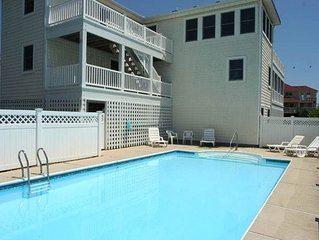 #401: Partial OCEANVIEW Home in Corolla W/Private Pool & HotTub