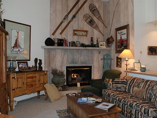 Walk to ski lifts, shops and restaurants  from this  cozy studio apartment  Walk