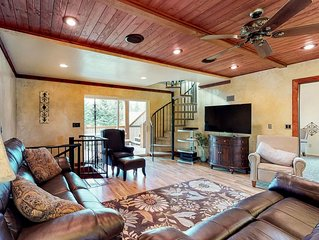 Relaxing & secluded golf course cabin on hole #7, near beach access