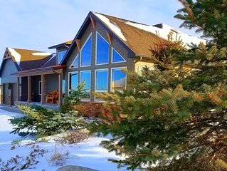 Pine Ridge Paradise ~ Luxurious Red Lodge, MT Home ~ Golf Course Location with S
