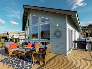 Bright home w/ river views, great deck, shared pool, boat launch & more!