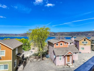 Dog-friendly villa with lake views, fireplace, and private balcony