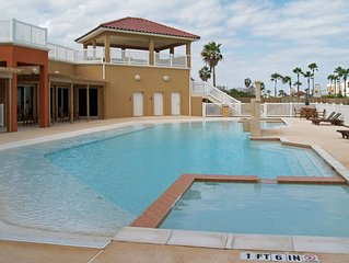 Condo with shared pool & hot tub near beaches, amusement park, & more!
