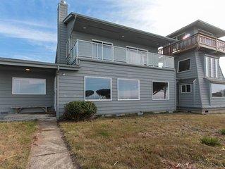 Dog-friendly & waterfront house w/180 degree wide open ocean views
