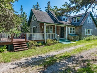 Secluded home with full kitchen & large deck! Full yard and dogs ok!
