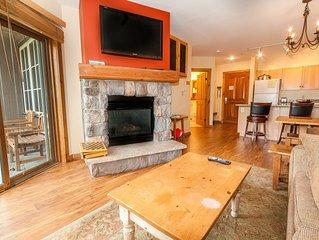 2-Bedroom Condo, Granite Countertops, Slope Views, Queen-sized Bunk Beds