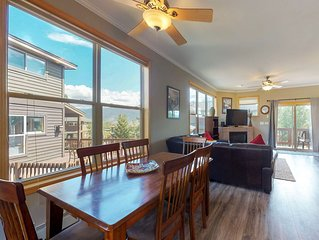 Warm, welcoming condo - easy access to 4 ski resorts & the lake!