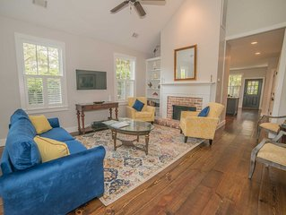 Cottage on North St Less than 1 Mile to Downtown Beaufort and 5 Miles to Parris