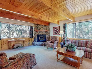 Spacious, dog-friendly cabin w/ a fireplace, full kitchen, views - close to town