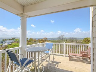 SM160: Dog friendly! 4BR Salt Meadows TH | On the bay ... w/ ocean views too!