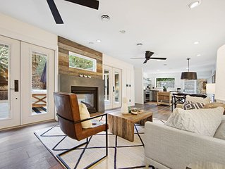 Luxurious wine country home w/garden patio & outdoor fireplace