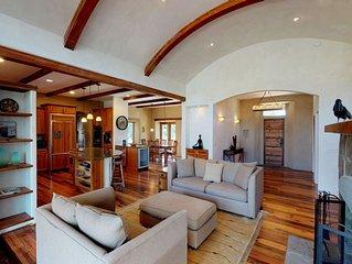 Elegant five-acre estate w/private hot tub, pond, close to wineries