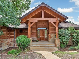 Cottage in Beautiful Wooded Setting at Hollows Resort, 4 Pools