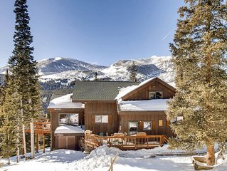 6 Bedroom/4 Baths/Hot Tub/ Breath-Taking Views/CLOSE TO BRECK