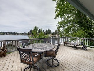 Lakefront house w/ private dock, firepit, and sunset views!
