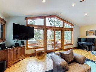 Spacious home w/ private hot tub - close to skiing, hiking & biking