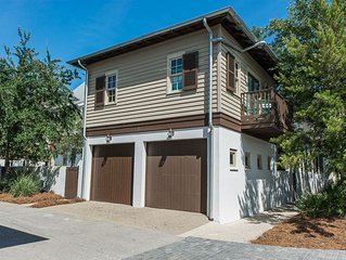 Pet Friendly! Near Town Center, 1 Block to Sky Pool, 2 Bikes Included!