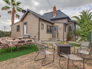 Charming home w/ backyard firepit, kayak, bikes & games - walk to the beach!