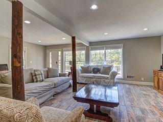 Secluded home w/outdoor pool, minutes to downtown