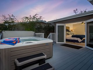 Contemporary home w/game room, private hot tub, 1/2 mile to beach!