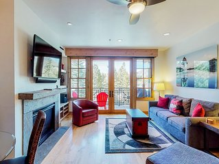 Beautiful condo w/access to shared pools, hot tubs, & more - close to skiing!