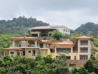 Incomparable: Ocean View Property. 10 minutes from Los Suenos Marina. Gated.