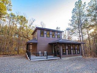 New! Upscale, Honeymoon Cabin