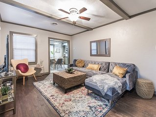 Cozy and stylish home 2 blocks from Texas A&M University