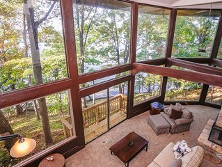 � Your Secluded Retreat on 800 Ft of Lakefront-Private Cove-Massive Deck �