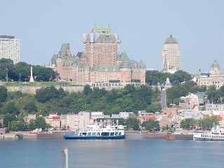 Splendid view of Quebec and Chateau Frontenac