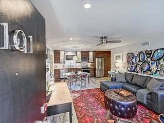 Stylish Myers Park Apartment with Luxe Bath & Mod Kitchen - 1 Mile from Uptown