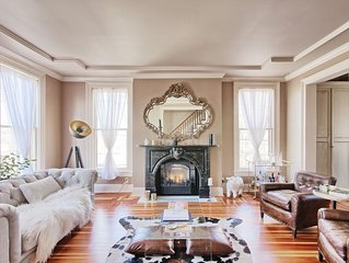 Grand Luxury Townhouse in Downtown Hudson