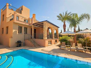 Exclusive - Private Sandy Beach - Luxury 3 Bed Villa - Hot Tub - Private Pool