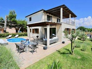 Exklusive freistehende Villa mit privatem Pool, 500m zum Meer