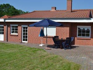 Ebenerdige Ferienwohnung mit grossem Garten in Norddeich/Ostfriesland