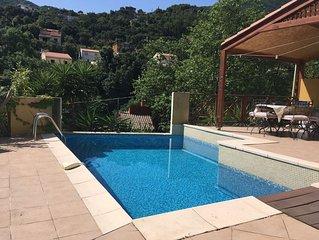 Villa avec piscine privee au ceour de la Vallee Heureuse