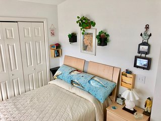 Cozy, family friendly cottage, 2 BR 1 Bath, 10m to Ocean City, pool & clubhouse